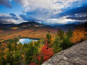 autumn-fall-colors-in-the-adirondacks